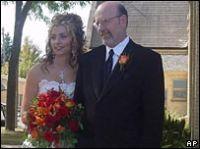 Mark Origer, 53 tuổi, là một trong hai bệnh nhân đã khỏi bệnh ung thư