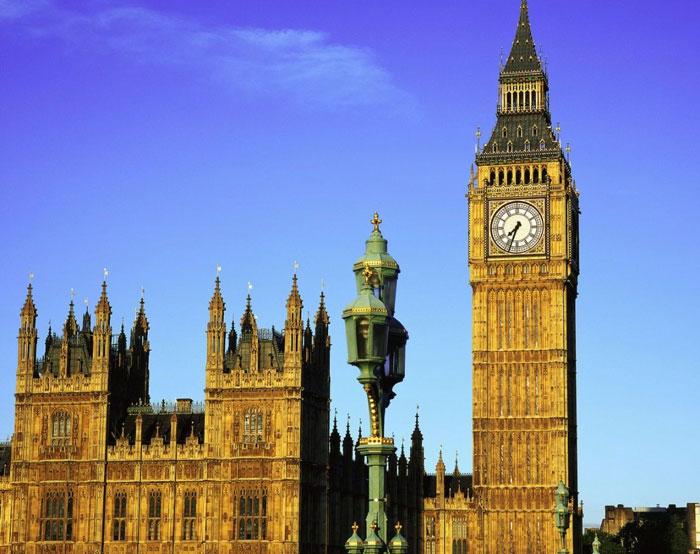 Tháp đồng hồ Big Ben đang nghiêng 46cm - KhoaHoc.tv