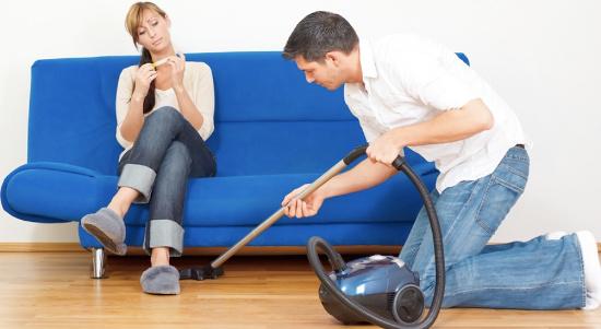 Đàn ông làm việc nhà nhiều sẽ kém trong
