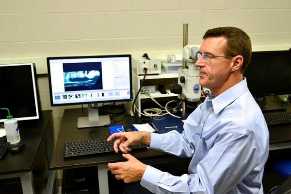 Bên trong phòng thí nghiệm kính cường lực Gorilla Glass