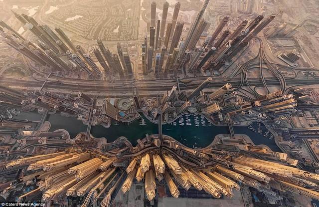 Ngắm vẻ đẹp của những địa danh nổi tiếng từ góc nhìn trên cao
