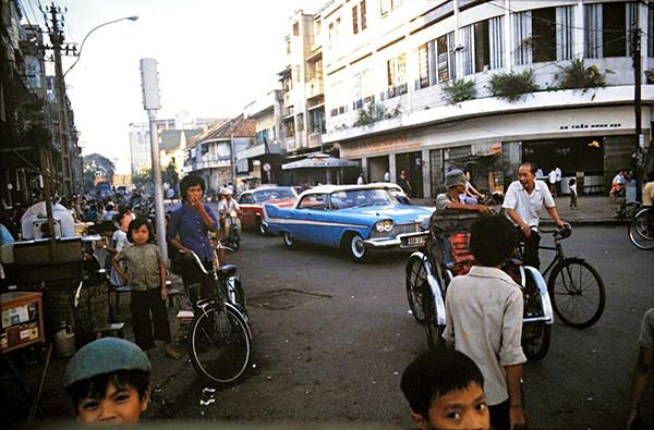 Những bức ảnh tuyệt đẹp về Hà Nội - Huế - Đà Nẵng - Sài Gòn vào năm 1979